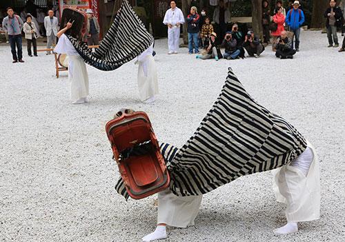 英彦山神宮の獅子舞.jpg